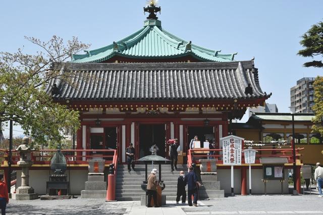 上野、不忍池にある弁天堂にて「めがね之碑供養」