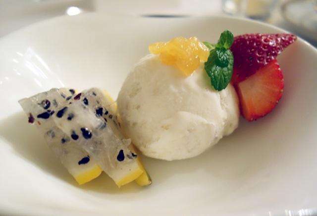 日本では珍しいコロンビア料理のフルコースをいただきました。