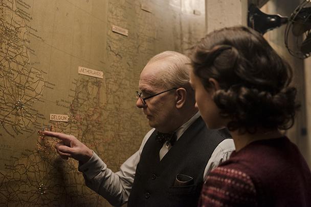 映画「ウィンストン・チャーチル/ヒトラーから世界を救った男」のメガネ