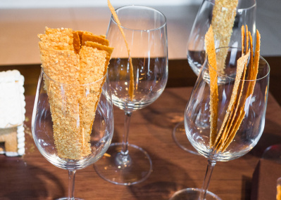 「ホテル椿山荘東京」1日限定11箱のチーズクラッカー、そして今年のXmasケーキ