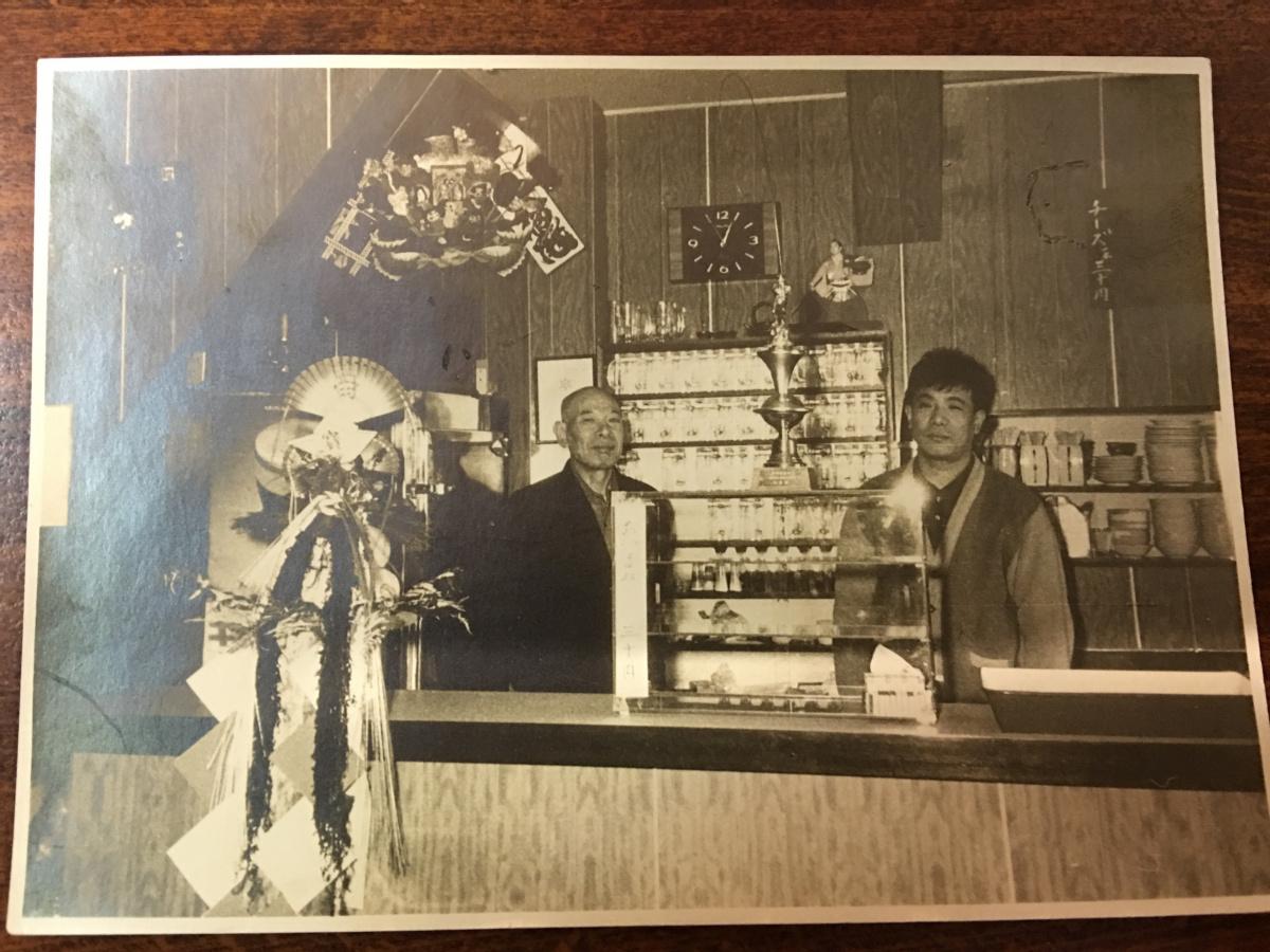 平安に包まれた自販機酒場のサンクチュアリ「ニューカヤバ」。 今宵、入りづらい古典酒場へ!第4夜