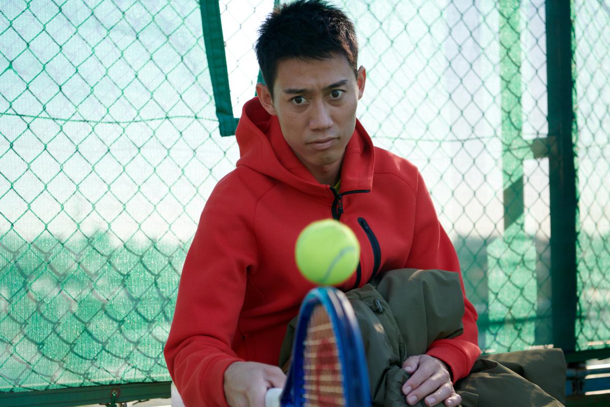 テニスプレイヤー錦織 圭が、撮影の合間に見せた素顔とは。