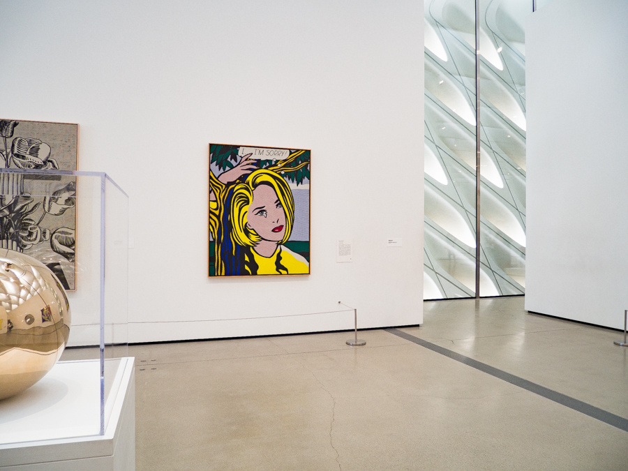 5年経っても大行列! アメリカ現代美術の「ザ・ブロード」で、作品のドアップを撮ってきた。