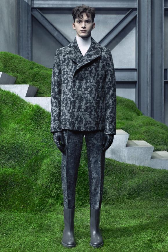 check out bba01 a84b7 BALENCIAGA / バレンシアガ   Fashion   Collection   Pen Online