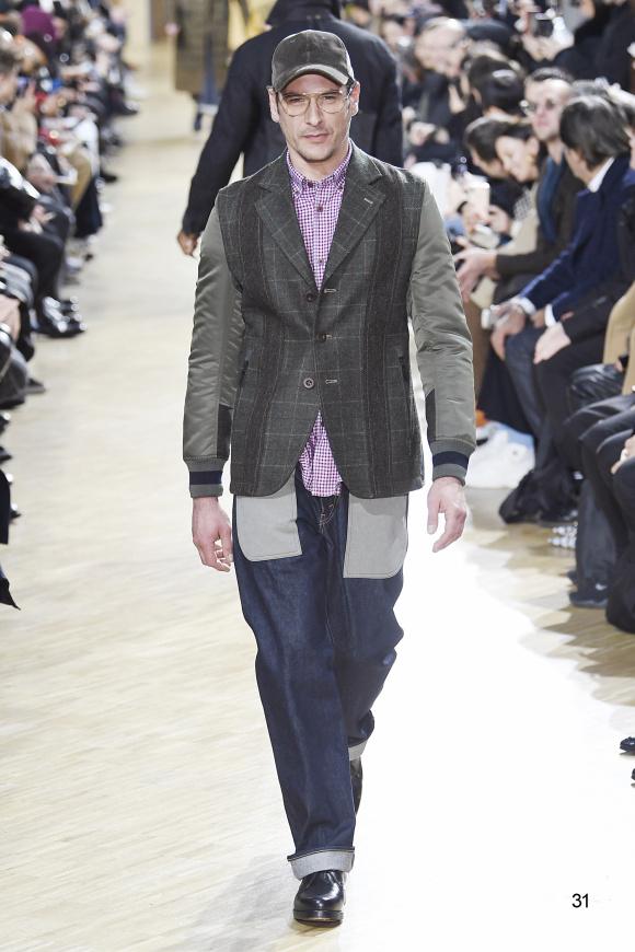 袖がミリタリーで、 身頃がチェックのジャケット