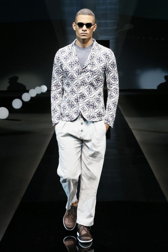 キューバのタイル模様風、 ジオメトリック柄のジャケット。