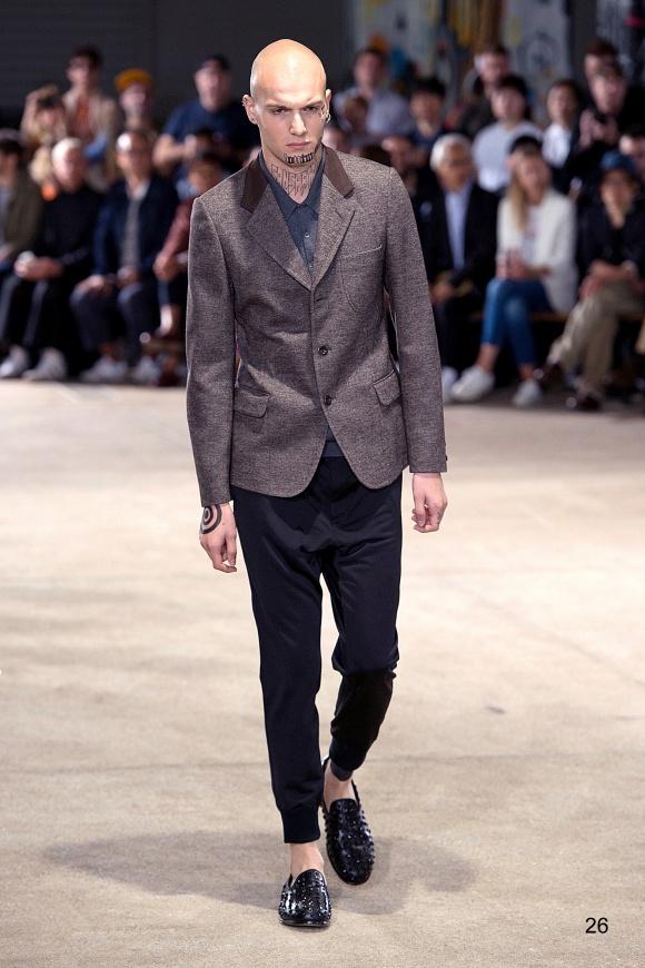 ベーシックジャケットは、 カットソー素材で着やすく。