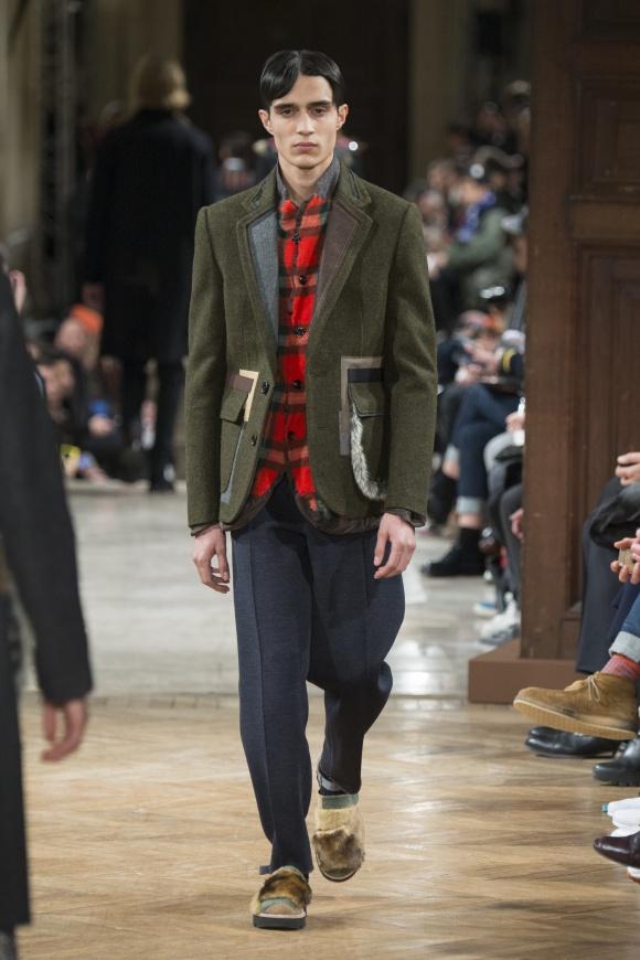 ジャケットの襟とポケットに、 さまざまな別布が。