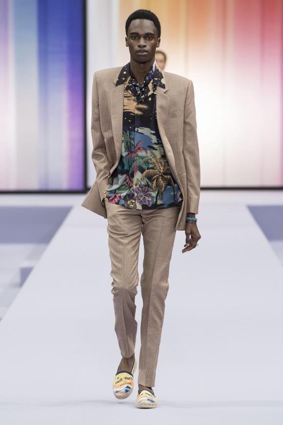 ジャケットの形は、 80年代からの着想。