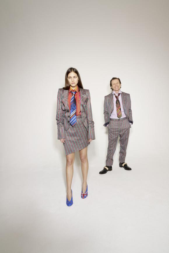 イギリスブランドを物語る、 スーツスタイルでの表現。