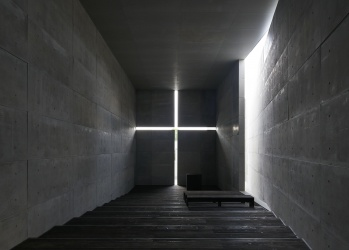 「人の記憶に残る建物をつくりたい」—— 半世紀におよぶ安藤忠雄の挑戦を体感する、必見の大規模個展を詳細レポート