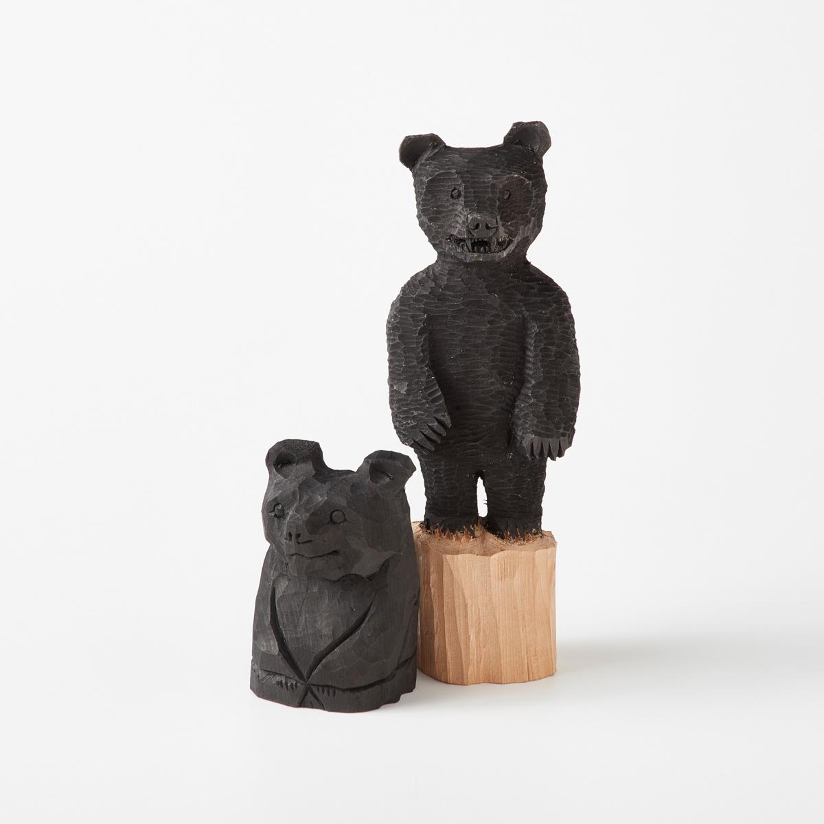 アイヌの伝統を学び、現代の暮らしに向けた木彫作品。
