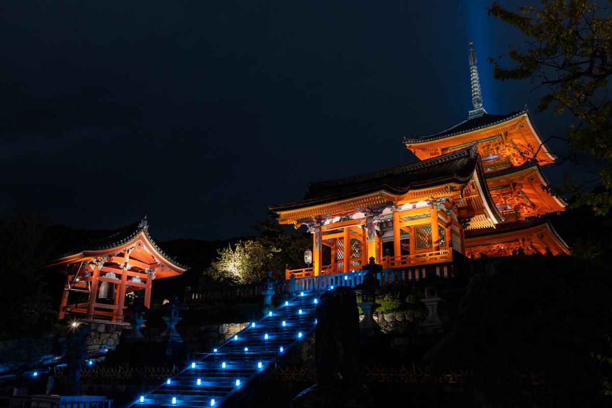 世界遺産・清水寺の夜間特別拝観をひと足先に楽しむ、唯一無二のプレミアムな体験とは。