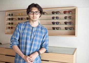 お洒落な人に評判のアイウェア「ayame」を手がける今泉 悠さんが語る、「人気の理由」と「日本の工場と流通」のこと。