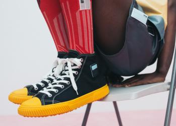 """ファッションを面白くする実力派6ブランドによる、""""ハイ"""" な最旬デザインに注目しました。"""