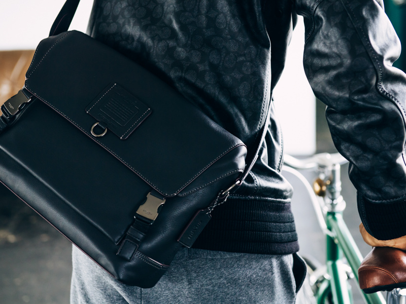 映画監督・山崎貴が語る、クリエイターにとって理想的な鞄とは?