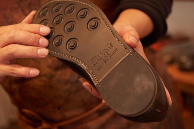 名作靴からスニーカーまで修理が可能です。
