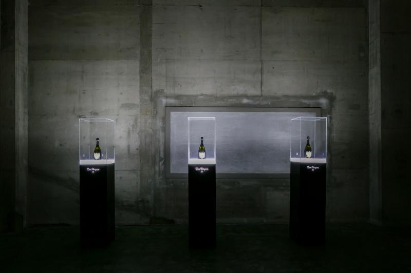 アートとシャンパーニュの前衛的コラボレーション
