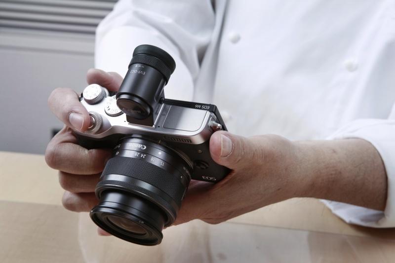 """カメラらしいデザインが、""""機械好き""""の感性を刺激する。"""