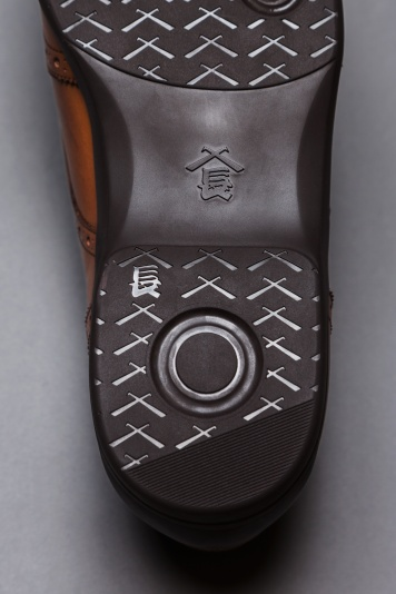 日本の職人技とモダンなデザインを組み合わせた「三陽山長」