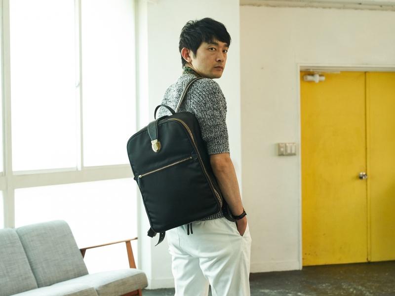 クリエイターのライフスタイルに寄り添う、「フェリージ」のバッグがもつ魅力。