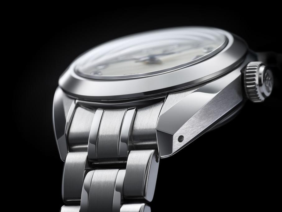 人の手から生まれた製品は、時間をも超えてゆく。