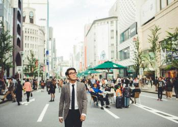銀座の歩行者天国は、新たな時代をつくる広告塔だった。【速水健朗の文化的東京案内。銀座篇①】