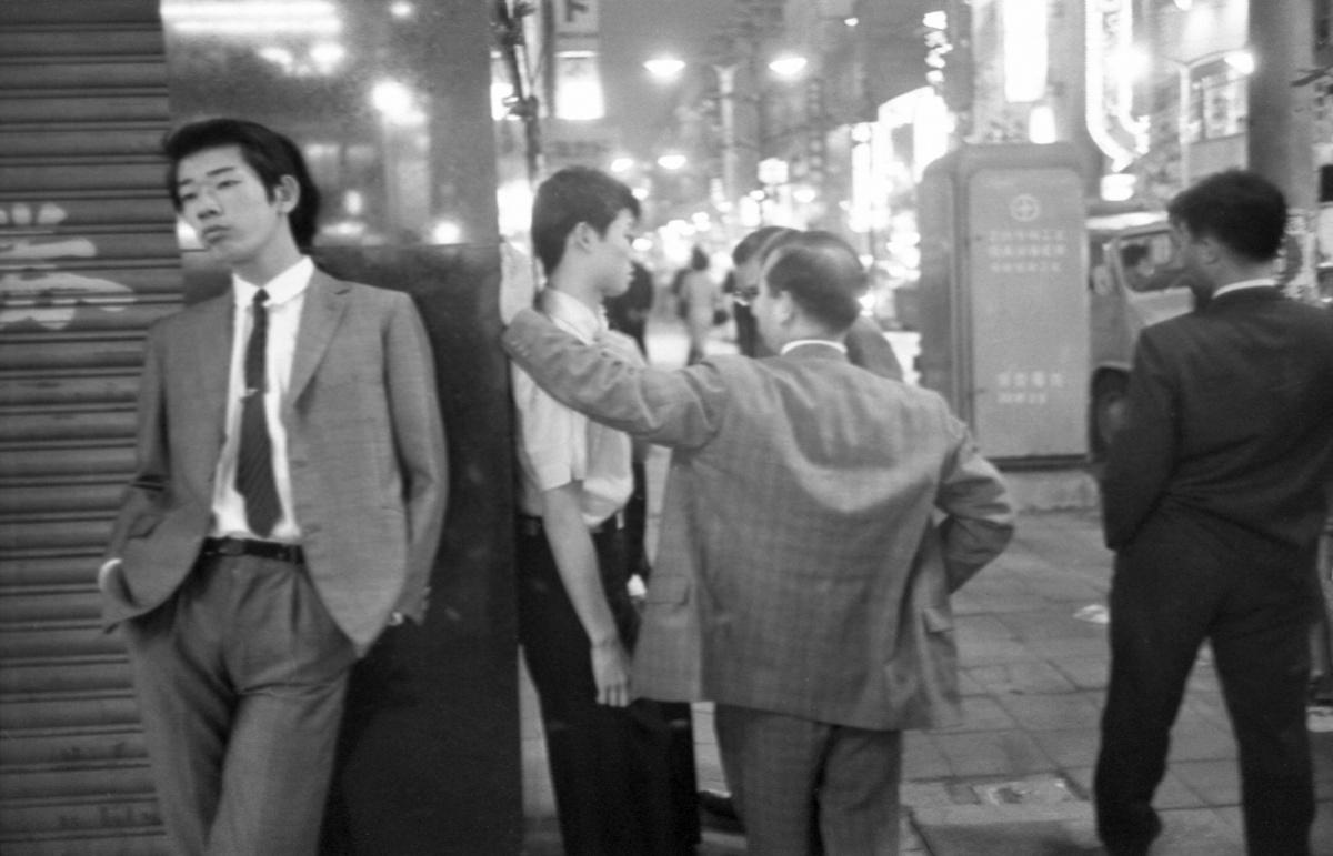 東京オリンピックに向け、一斉検挙されたみゆき族。