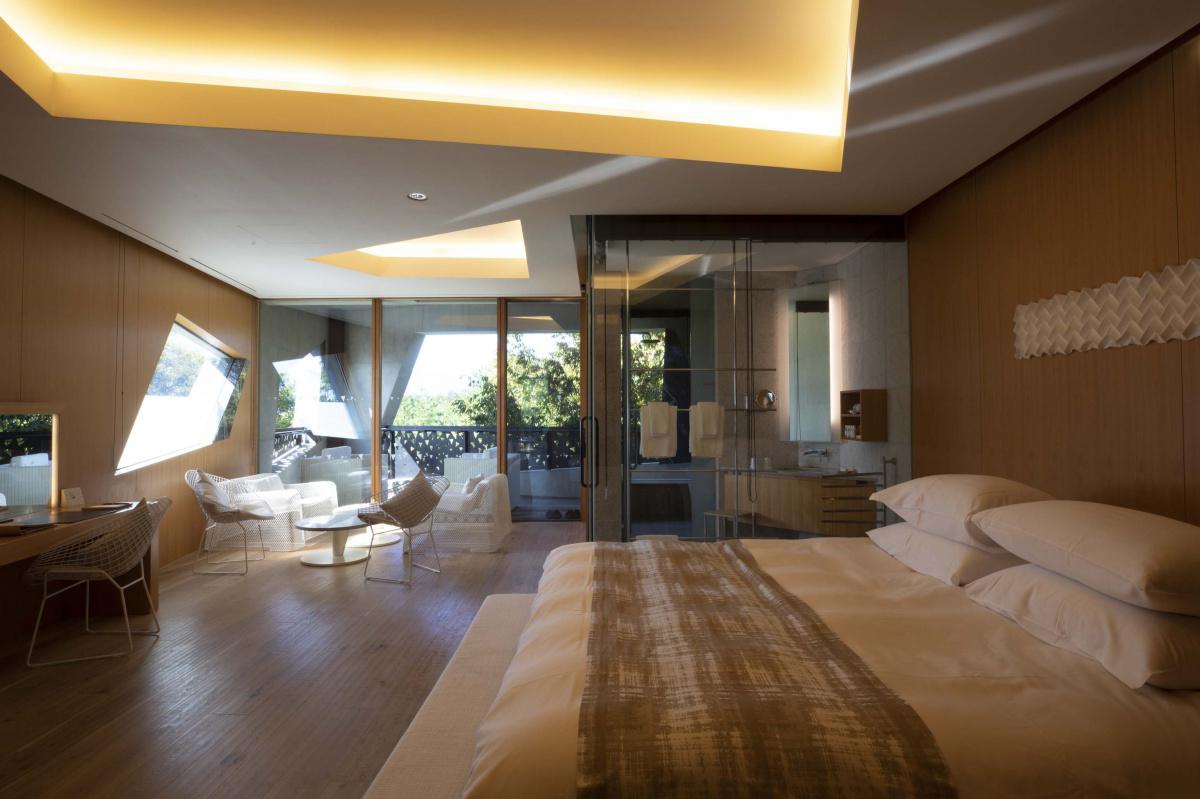 ホテルや美術館の造形と通底する、オデッセイのデザイン。