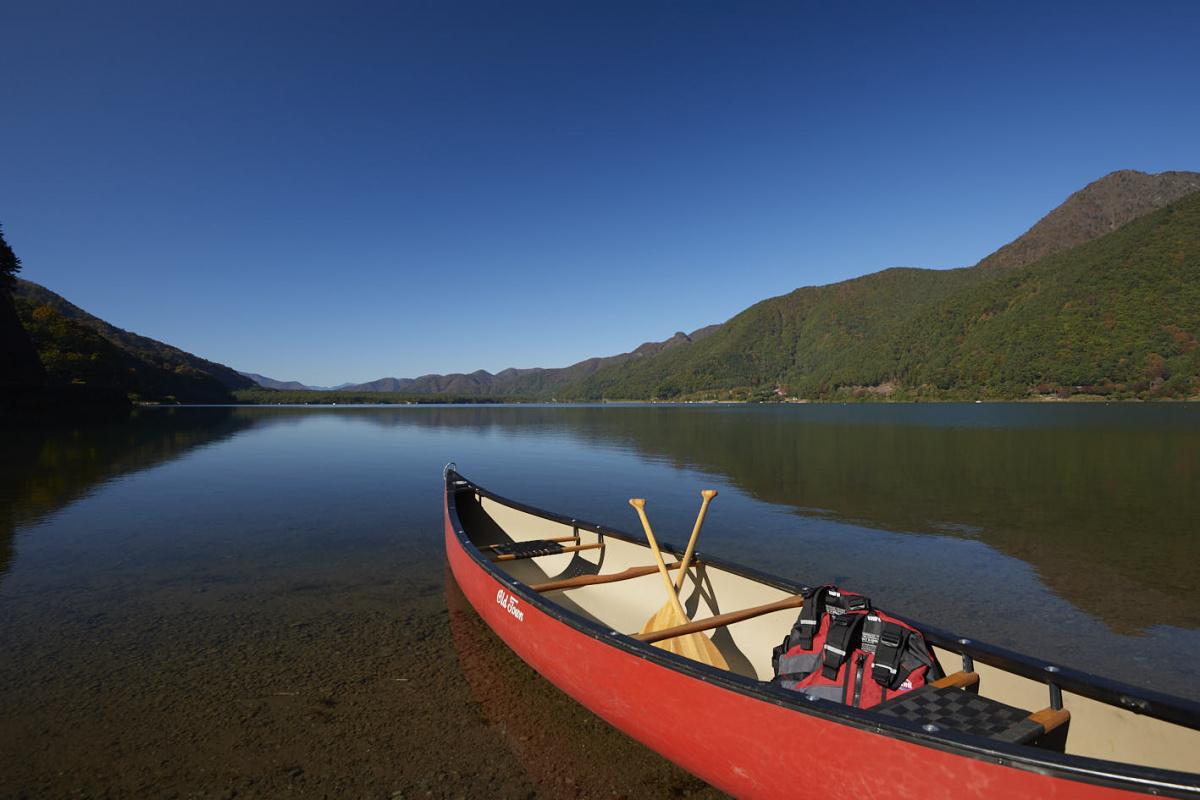 「ふふ 河口湖」の世界観に通じる、コンフォート性能と走りの心地よさ。