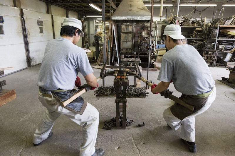 日本唯一の曲木家具専門ブランド