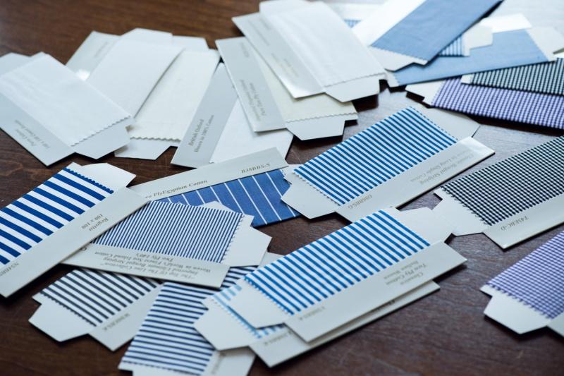 着る人に清潔感と気品をもたらす、ブルーのストライプ