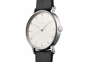 腕時計の原点に立ち返る、ISSEY MIYAKE WATCHのミニマルなフォルム