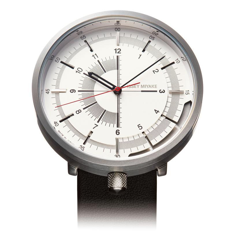 イッセイ ミヤケ ウオッチ、機械式を搭載したメカニカルな計器。