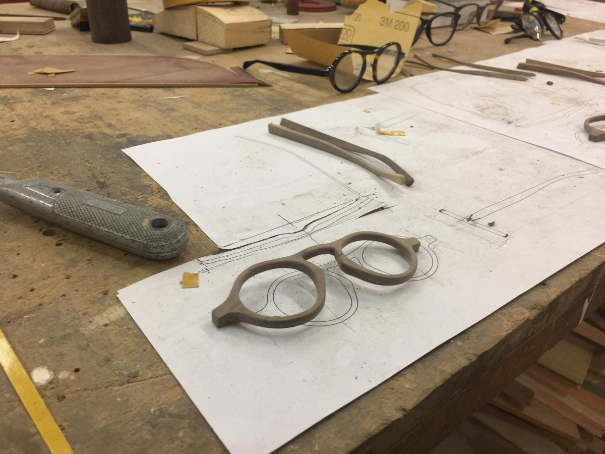 眼鏡をデザインするということは、ディテールをデザインするということ。