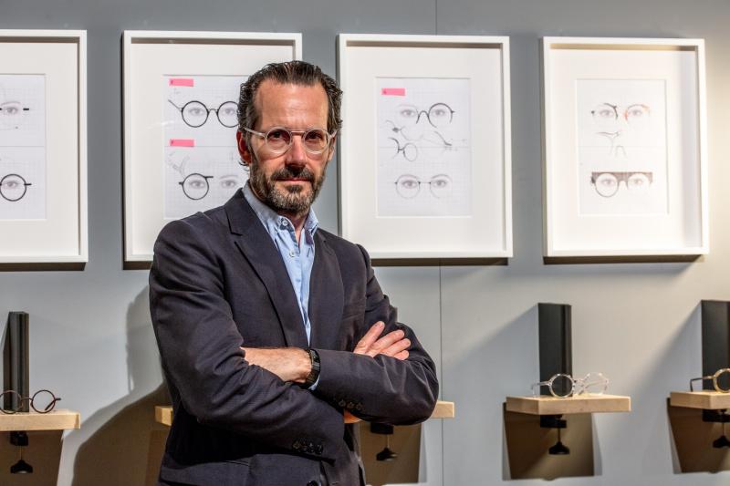 コンスタンティン・グルチッチは、なぜ丸眼鏡だけで8つものモデルをデザインしたのか?