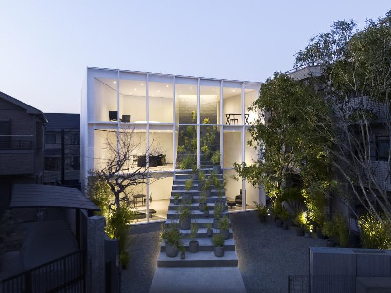 巨大な階段が家を貫いた!? nendoが建てた「階段の家」の秘密を聞いてきました。
