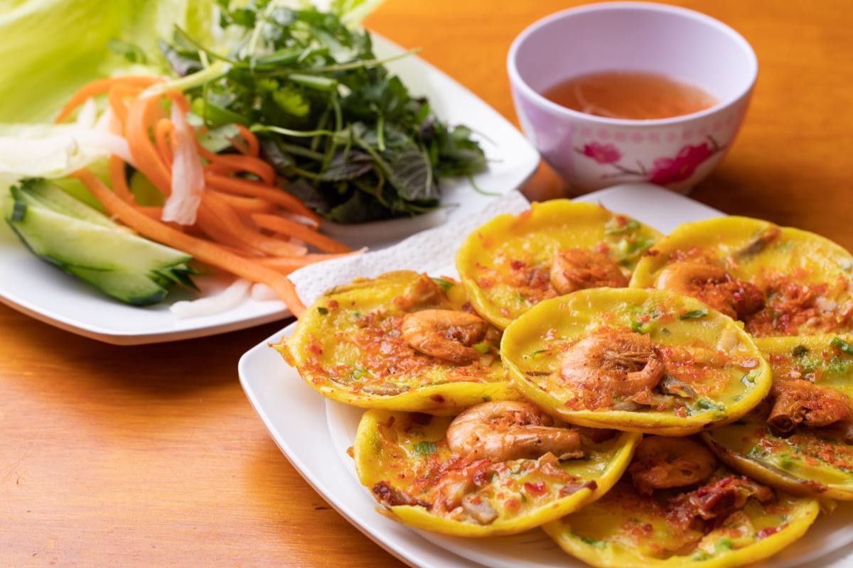 タピオカと自然派ワインで乾杯して、ベトナム飯を堪能。