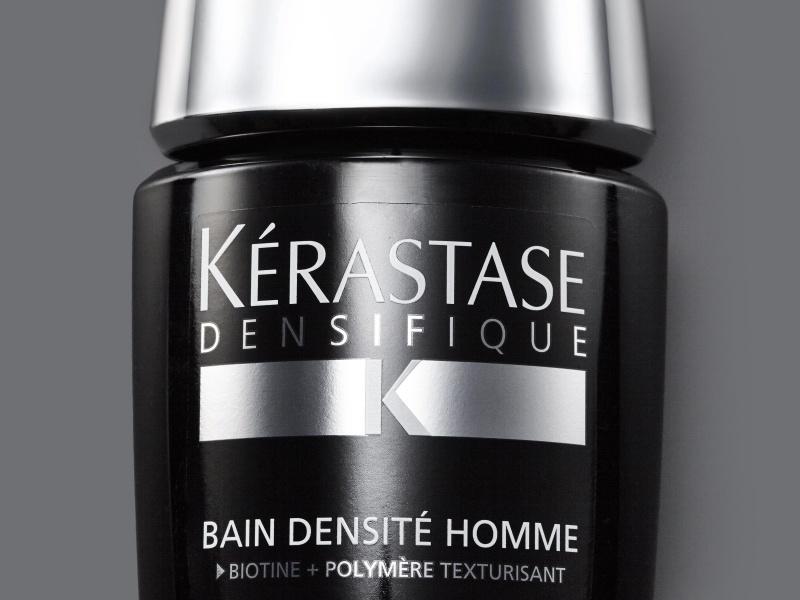 香りも効能も魅力的なシャンプーで、頭皮のコンディションを整える。
