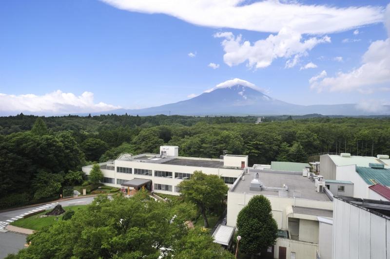 富士のふもとから世界に向けて、大きく飛躍するキリンの夢。