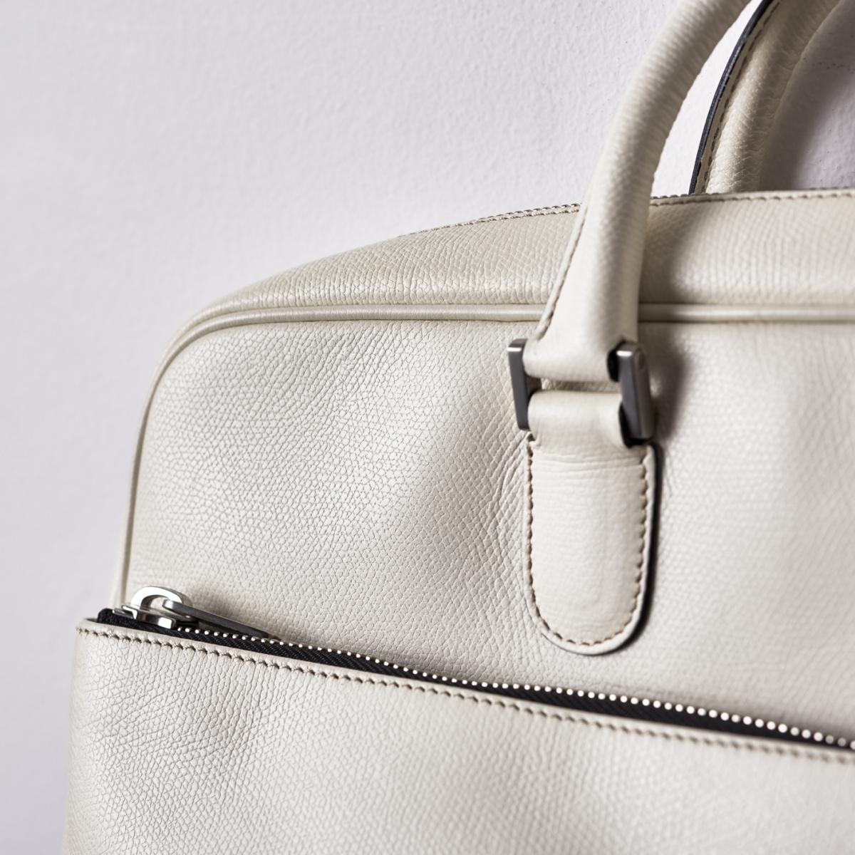 ヴァレクストラ――現代性も備えた、オフホワイトカラーの気品。