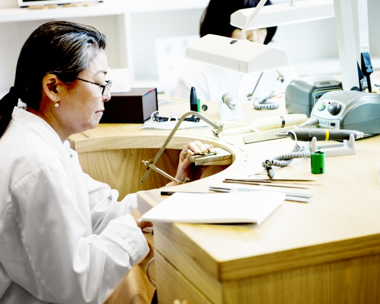 トップジュエラーの宝飾と時計制作の技を学ぶ、「レコール ヴァン クリーフ&アーペル」を体験してわかったこと。