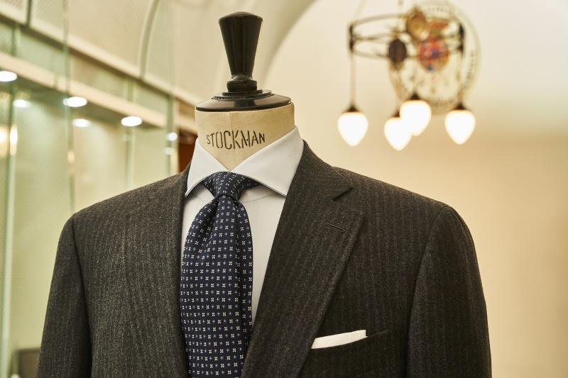 ナポリの老舗「マリネッラ」のショップ店長に、ネクタイ選びの神髄を聞きました。