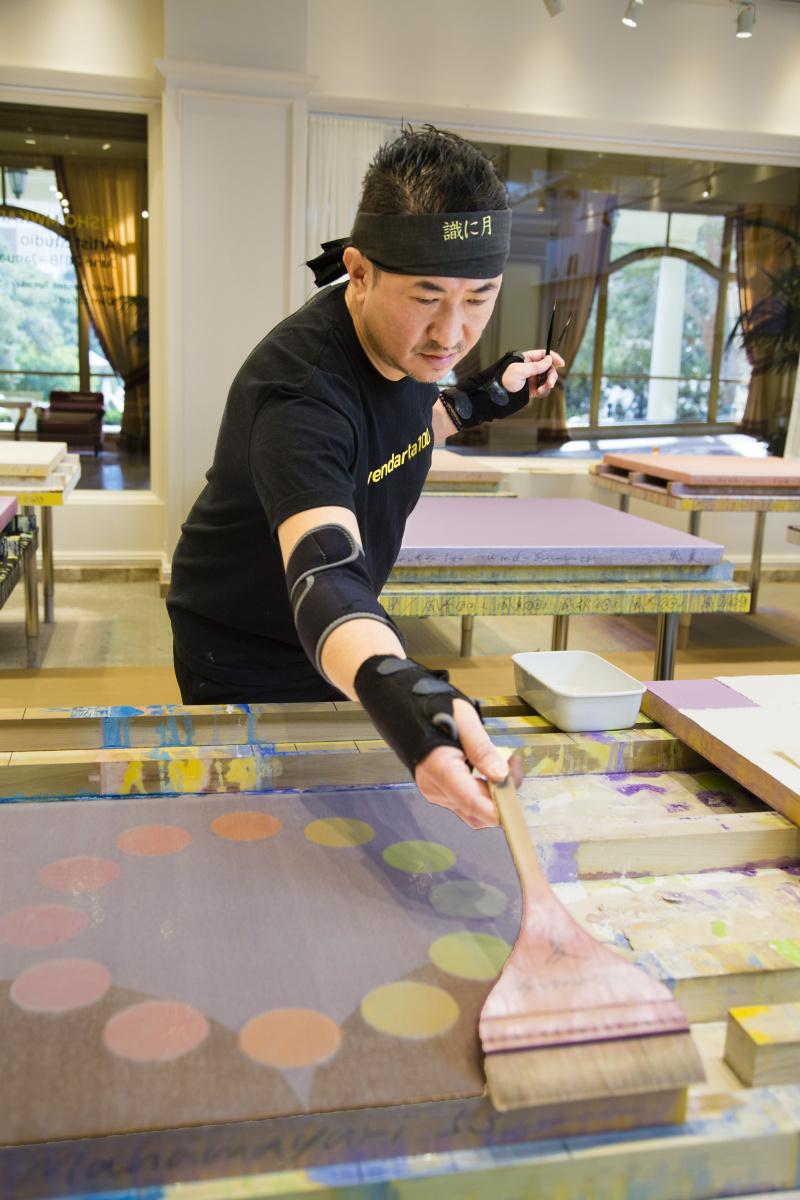 ラスベガスが日本美術に注目?! アーティストの制作過程を公開する、MGMリゾーツ初の試みとは。