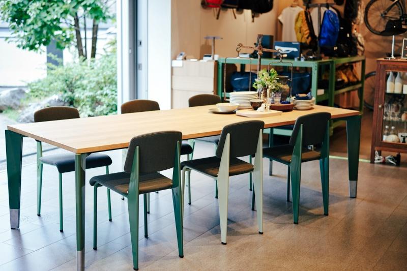 デザイン家具とアンティークと。