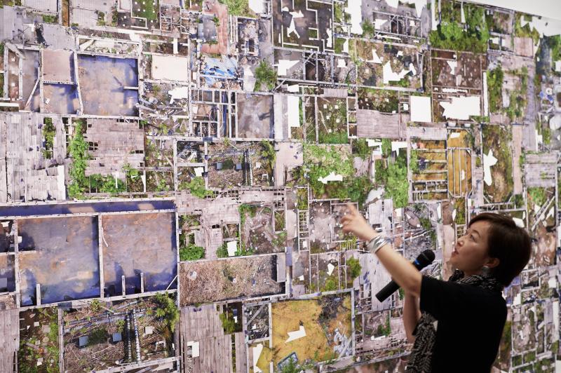 都市を見つめ、その表情を切り取っていく作家たち。