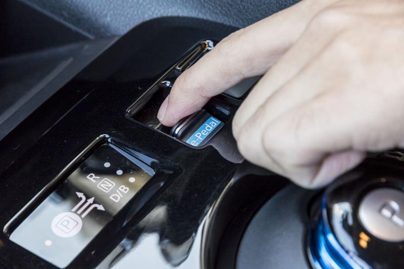先進のテクノロジーが、 運転を楽しくする。