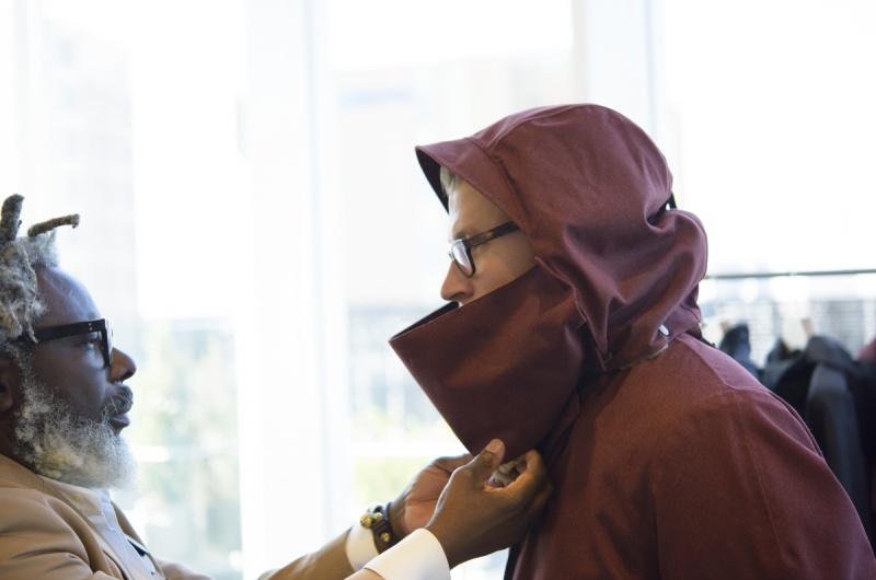 マイナス25℃の中で5時間過ごせる防寒コート。