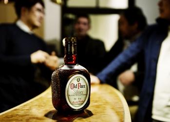 刺激し合う同志飲みに欠かせない、極上のウイスキーソーダ