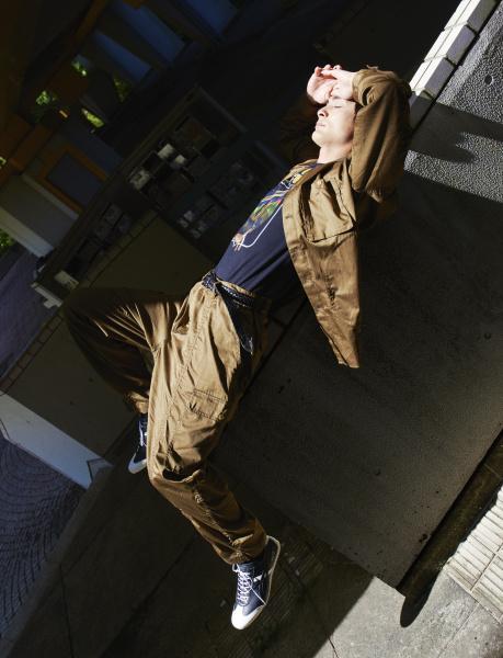 俳優・高良健吾が「オニツカタイガー」でつくった、理想のオーダースニーカー
